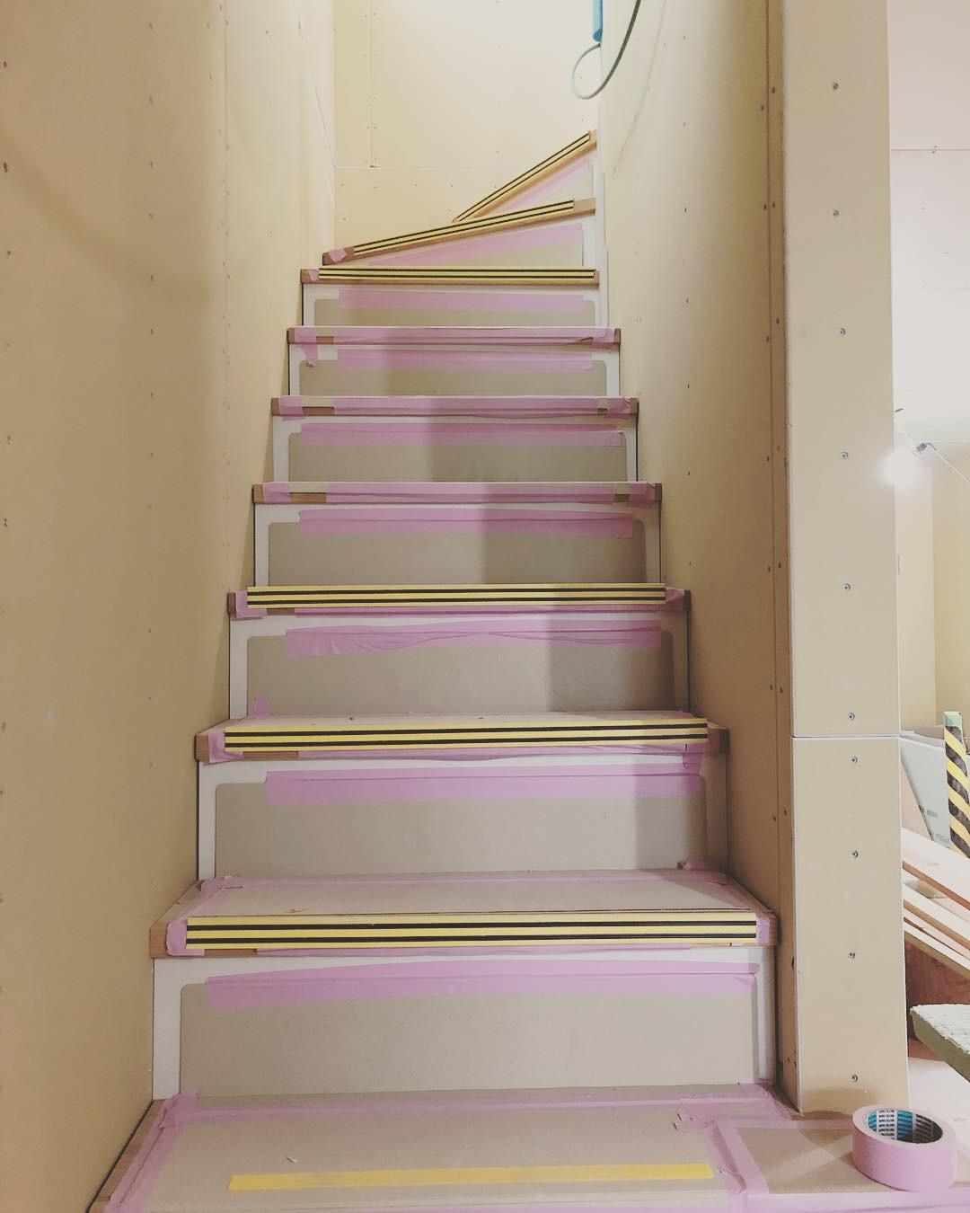 《建設中》着工92日目。階段が出来上がってました!